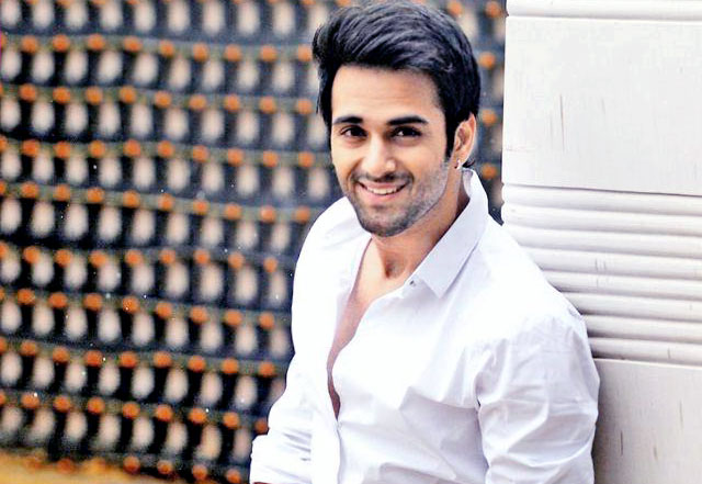Pulkit Samrat height Weight